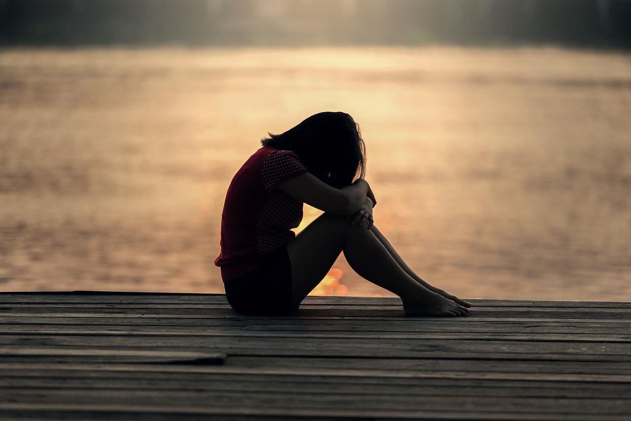 sad-girl-alone